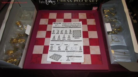 fate_zero_servant_model_chessboard_set_01_packaging_contents