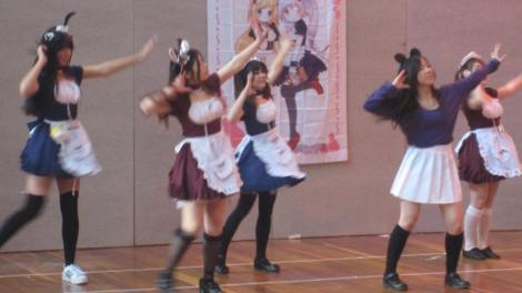 animaga_expo_2015_maid_cafe_dance_02